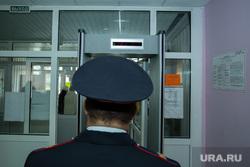 Единый день голосования 10 сентября 2017 года в РФ. Сургут, выборы, полиция, голосование, рамка металлоискателя, безопасность на выборах, dsjhs