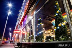 Новогоднее оформление ресторана Маккерони. Екатеринбург, новогоднее оформление, украшения, интерьер, ресторан маккерони, maccheroni, новогодние витрины