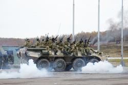 Росгвардия демонстрирует новинки вооружения и техники, оружие, бронетранспортер, росгвардия