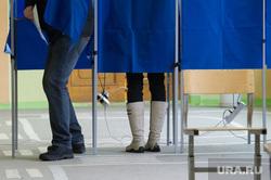 ВЫБОРЫ 2018. Голосование на выборах Президента Российской Федерации в Екатеринбурге, кабинки для голосования, голосование