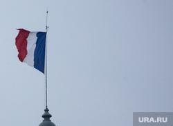 Виды Парижа. Париж, скульптура, флаг франции, квадрига, французский флаг