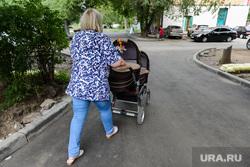 Формирование городской среды в 2017 году. Ремонт дворов. Челябинск, близнецы, двойная коляска