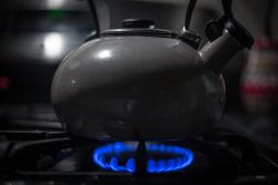 Открытая лицензия от 14.10.2016. Бытовая техника, газовая плита, чайник на плите