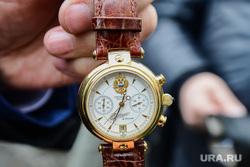 Митинг-концерт Крымская весна в Челябинске, вип часы, часы путина, наградные часы