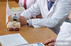Евгений Куйвашев посетил ОКБ №1. Екатеринбург, бадаев феликс, белые халаты, медики, врачи