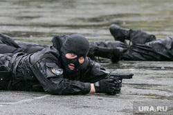 День пограничника. Курган, спецназ, пистолет, люди в масках, стрельба лежа