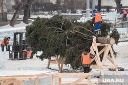 Виды города и елки на Площади 1905 года. Екатеринбург, елка, установка елки, строительство ледового городка, новогодняя ель