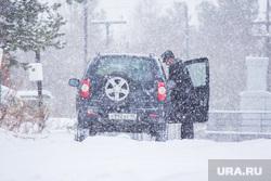 Собаки и дачи. Нижневартовск., снег, холод, зима, автомобиль, снегопад