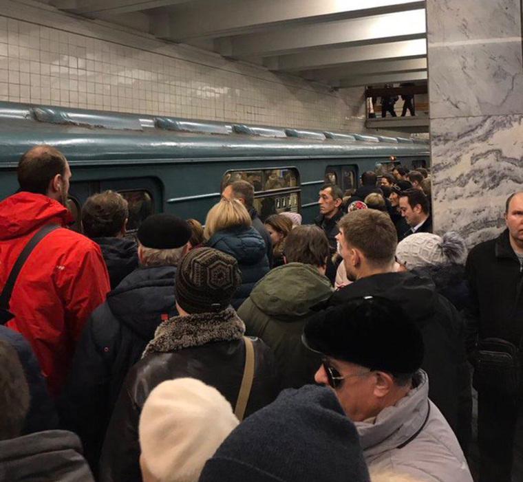 Назелёной ветке московского метро восстановили движение