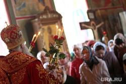 Пасха Курган, священник, батюшка, свечи, богослужение, храм, церковь, вера, религия, православие
