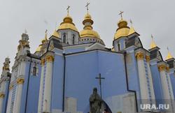 Майдан. Киев, храм, церковь, майдан, гуманитарная помощь, религия, михайловский златоверхий собор