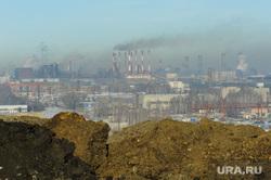 Городская свалка. Экологи исследуют квадрокоптером, пожарные дежурят на случай возгорания. Челябинск, дым, трубы, грунт, экология, смог, свалка