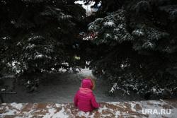 Всероссийский дед мороз на площади города. Тюмень, ребенок без присмотра