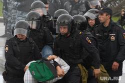 Задержания участников митинга против пенсионной реформы в Екатеринбурге, акция протеста, полиция, задержание