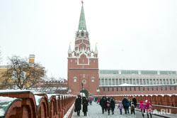 Новогодняя елка в Кремле. Москва, город москва, кремль, троицкая башня кремля, троицкий мост