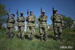 Украина. Славянск. 26.04.2014, армия, солдаты, ополчение, отряд автоматчиков
