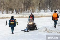 Подрыв льда в Аше перед половодьем. Обработано. Челябинск, мчс, снег, снегоход, зима