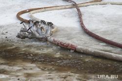 Пожар на улице Карьерной, 30. Екатеринбург, пожарный шланг, вентили, пожарный рукав