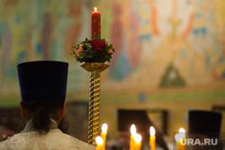 Пасхальное богослужение в Свято-Троицком кафедральном соборе. Екатеринбург , священник, свечи, свеча, храм, церковь, вера, собор, батюшка, служба, религия, православие