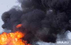 Георгиевская лента, Порошенко Марина, Порошенко Петр, Джонсон Борис, Трамп Дональд, взрыв, огонь пламя, клуб дыма