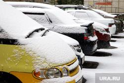 Первый снег. Екатеринбург, первый снег, парковка, автомобили