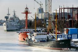 Виды Калининграда. Калининград, корабль, порт, пароход, судно, сейнер, рыболовное судно, портовые краны