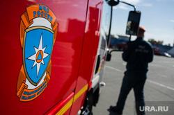 Освящение новой пожарно-спасательной техники подразделений Федеральной противопожарной службы. Екатеринбург, пожарная машина, мчс, символика