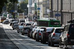 Виды Екатеринбурга, пробка, автомобильный затор, пдд, проспект ленина, трамвайные пути