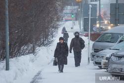 Уборка снега. Ханты-Мансийск, снег, холод, зима