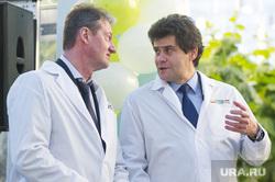 Открытие второй очереди инновационного тепличного комплекса «УГМК-Агро». Свердловская область, поселок Садовый, высокинский александр, жест рукой, козицын андрей