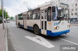Выделенная полоса для общественного транспорта на улице Карла Либкнехта. Екатеринбург, троллейбус, правила дорожного движения, выделенная полоса, общественный транспорт