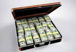 Открытая лицензия 10.06.2015. Деньги., доллары, деньги, кейс