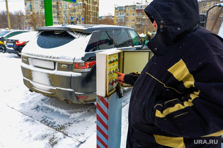Подземная парковка-этажерка. Челябинск, подземная парковка, автомобиль, зима, парковка-этажерка, снег