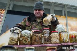 Вывоз киосков с улицы Ракетная, 2. Екатеринбург, закуска, еда, предприниматель, уличная торговля, соления, продукты питания, рынок, малый бизнес