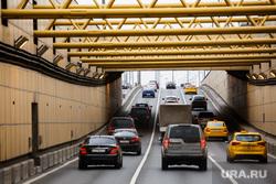 Кузбасс. Угольные разрезы. Междуреченск, автомобили, машины, шоссе, дорожное движение, туннель, тоннель, час пик, магистраль, дорога, трафик