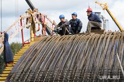 Строительство моста по улице Челюскинцев через Городской пруд. Екатеринбург, строительство, строительные работы, строитель, рабочий