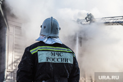 Пожар памятника архитектуры по ул. Семакова 8. Тюмень, дым, пожар, пожарные, мчс
