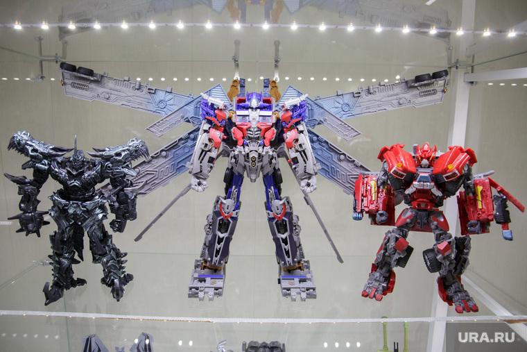 Музей роботов-трансформеров. Пермь, трансформеры, роботы, игрушка