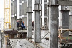Стройка. Нижневартовск., строители, сваи, бетонные блоки, стройка, строящееся здание