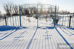 Могила Петра Исаева, порученца Василия Чапаева. Кундравы, Челябинская область, деревенское кладбище