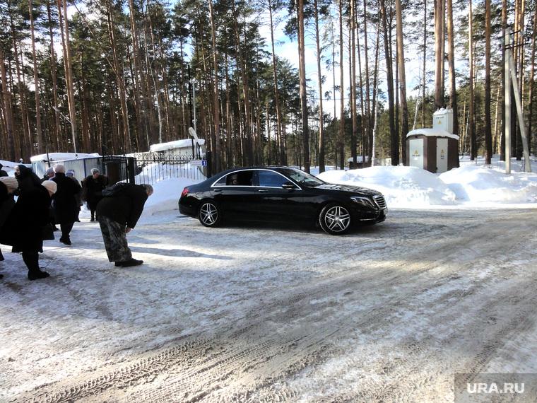 Владыка Викентий в Березовском, вип авто