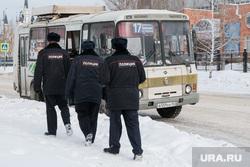 Профилактическое мероприятие «Автобус» Дорожные полицейские проверяют соответствие технического состояния. Курган, пазик, автобус, паз, маршрутка, маршрутное такси, полиция