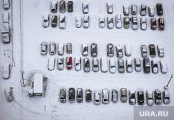 Виды города. Екатеринбург, парковка, машины в снегу, вид сверху
