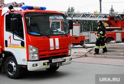 Пожарные учения по эвакуации людей из здания Арбитражного суда. Челябинск, пожарный, пожарная машина