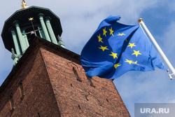 Виды Стокгольма. Швеция, флаг евросоюза, европа, стокгольмская ратуша