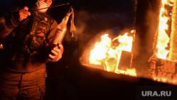 Майдан. Украина. Ночь 19-20.02.14 Конец перемирия. Киев, дым, майдан, боец, коктейль молотова, война, огонь