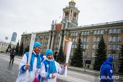 Этап эстафеты огня зимней Универсиады 2019 года. Екатеринбург, чечунова елена, администрация екатеринбурга, фитина людмила, гордума, екатеринбургская городская дума, администрация города, эстафета огня универсиады2019