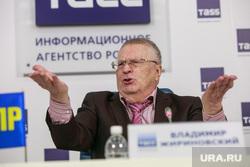 Пресс-конференция ЛДПР в ТАСС. Москва, портрет, жириновский владимир, жест рукой