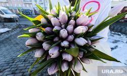 Акция по раздаче цветов на Алом поле. Челябинск, тюльпаны, букет, 8марта, весна, цветы, международный женский день