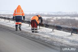 Визит врио губернатора Курганской области Шумкова Вадима в Шадринск, чистка дороги, снег на обочине, работы на дороге